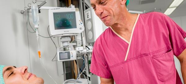 Sichere Narkose mit EEG Monitor und Relaxometer